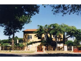 Appartamento in Villa Roma Marina di Massa