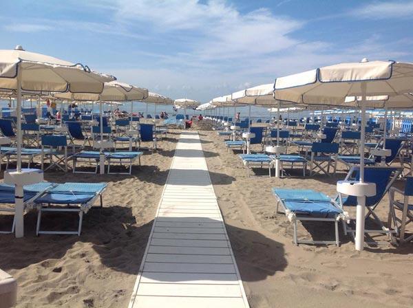 Hotel delfino a marina di carrara hotel 3 stelle a marina di carrara - Bagno paradiso marina di carrara ...