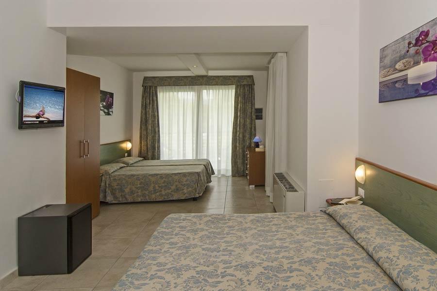 Гостиница Paris Лидо ди Камайоре