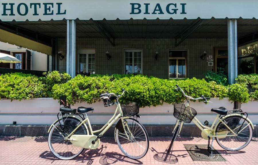 Hotel Biagi - 25 Photo