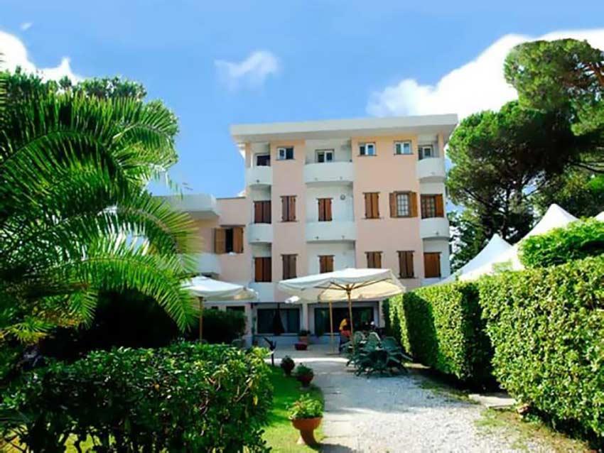 Hotel La Tavernetta dei Ronchi - 10 Photo