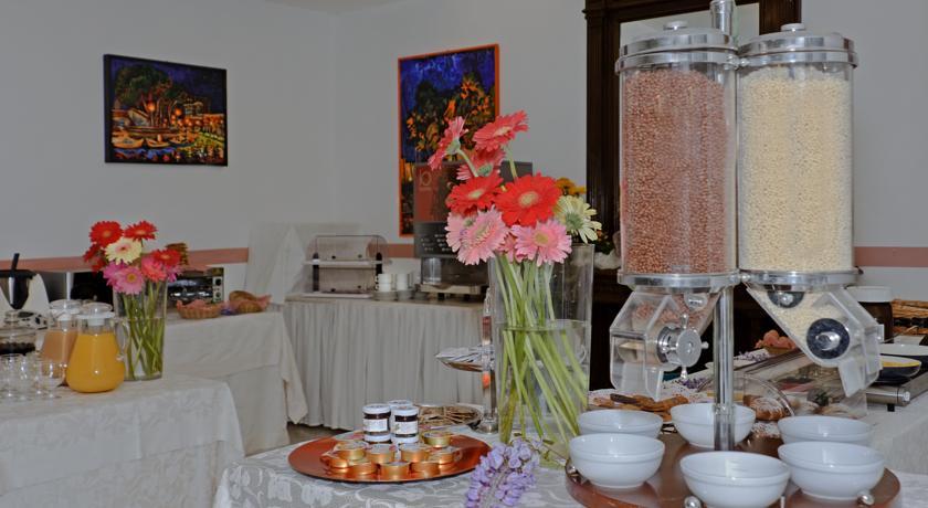 Гостиница Regina Лидо ди Камайоре