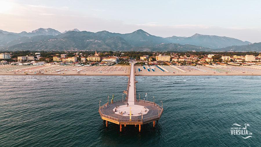 Giardinia Pietrasanta Orario : Marina di pietrasanta: cosa vedere u003e negozi del centro spiagge e